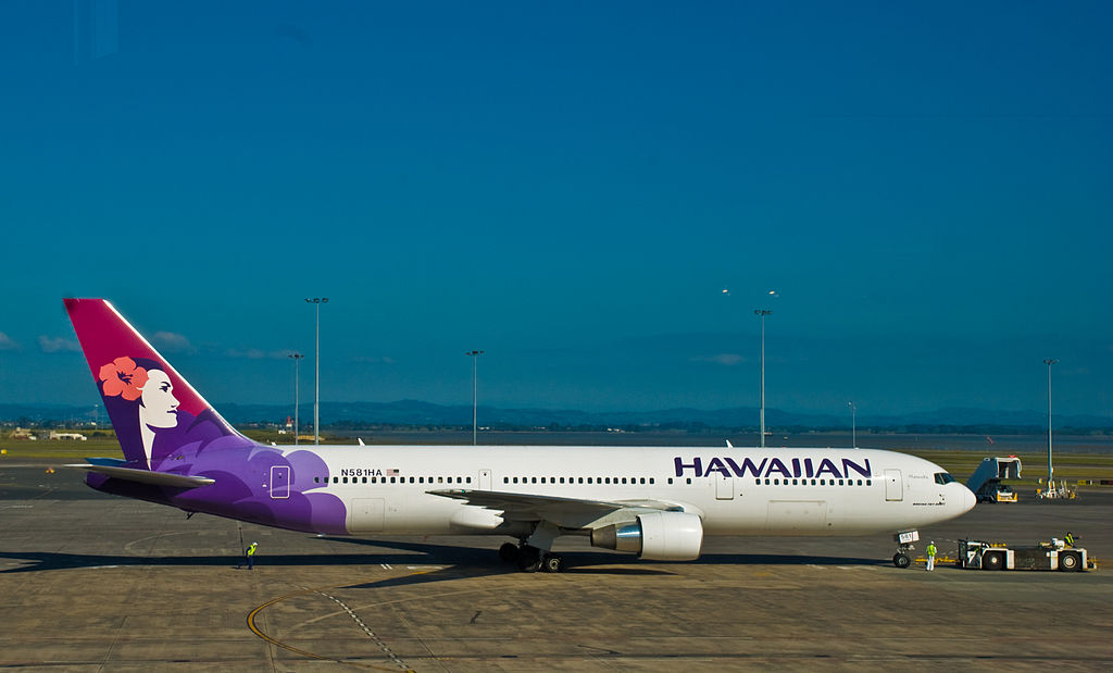 N581HA Manu o Ku Hawaiian Airlines Fleet Boeing 767 33AER at Auckland Airport New Zealand