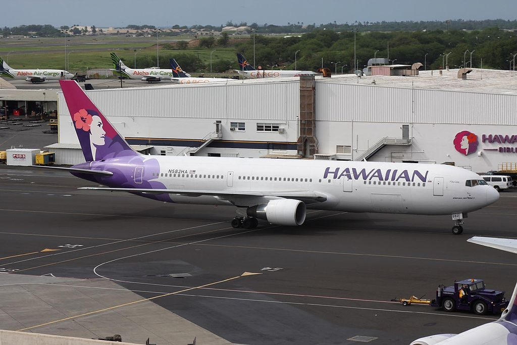 N582HA Ake Ake Boeing 767 33AER cnserial number 28139857 Hawaiian Airlines Aircraft Fleet at HNL Airport