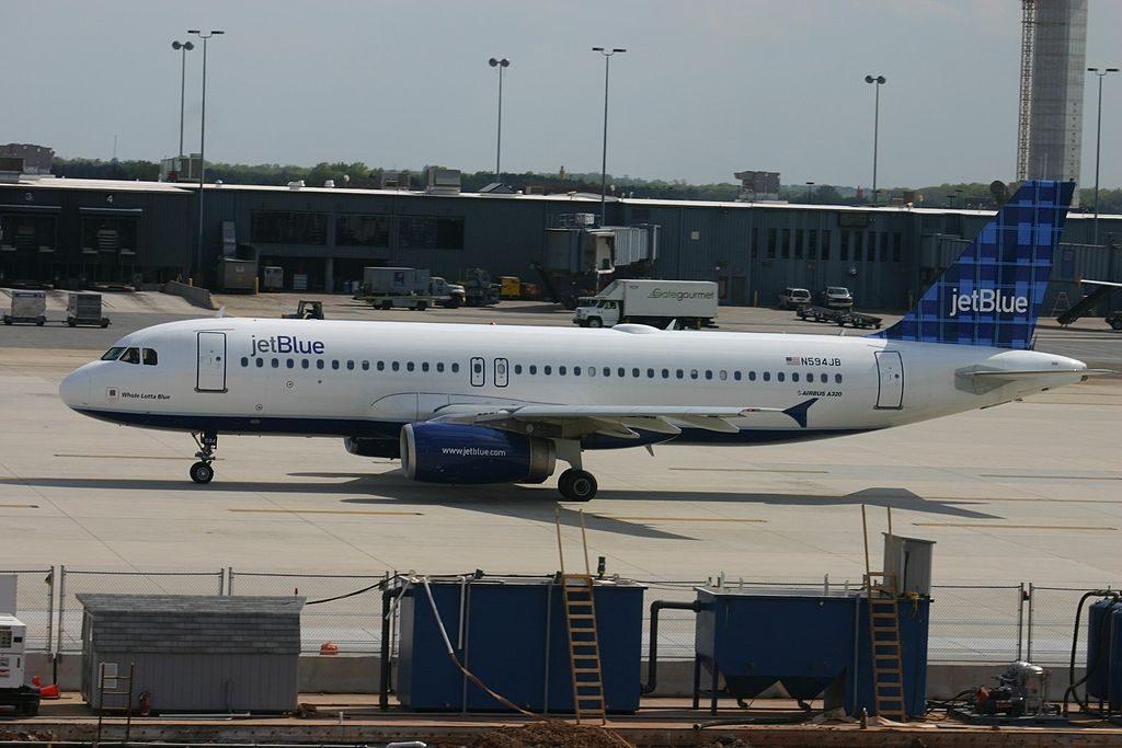 N594JB jetBlue Airways Airbus A320 232 Whole Lotta Blue at Washington Dulles International