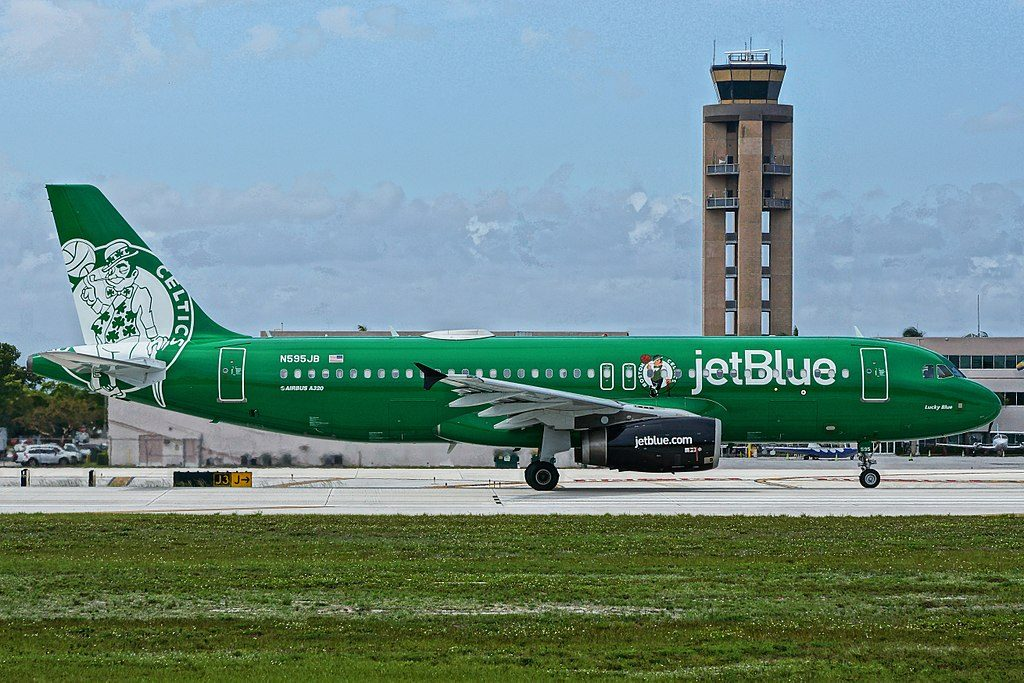 N595JB jetBlue Airways Boston Celtics Special Livery Airbus A320 232 Lucky Blue at Fort Lauderdale – Hollywood International Airport
