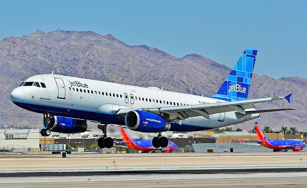 N613JB jetBlue Airways Airbus A320 232 CN 2449 Bahama Blue at McCarran International Airport LAS KLAS USA