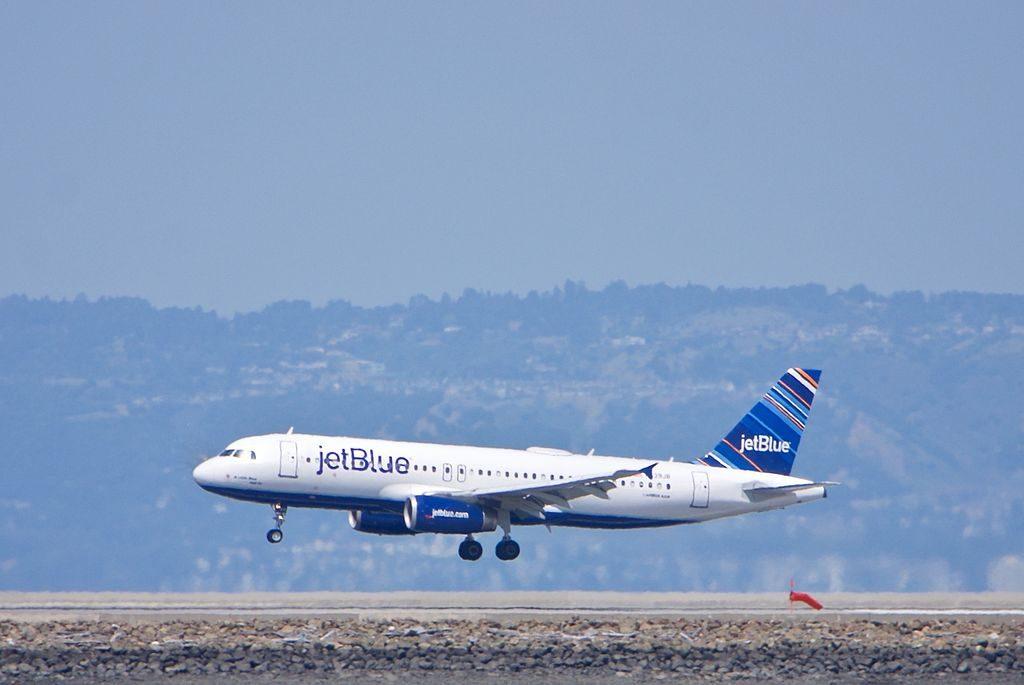 N639JB A Little Blue Will Do JetBlue Airways Airbus A320 200 landing at SFO San Francisco International Airport
