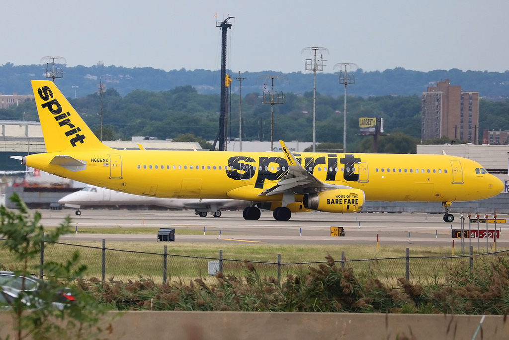 N686NK Airbus A321 231W Spirit Airlines at Newark Liberty International Airport EWR