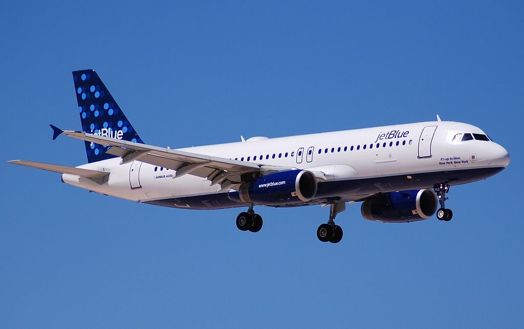 N703JB Airbus A320 200 JetBlue Airways Its up to blue New York New York final approach at McCarran International Airport