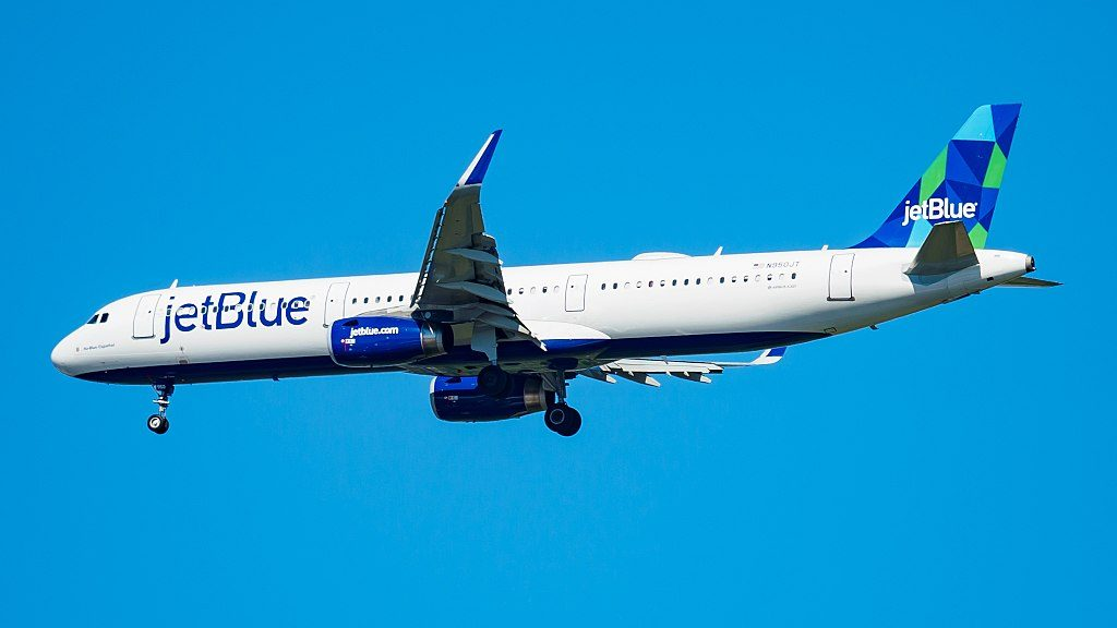 N950JT JetBlue Airways Ha Blue Español Airbus A321 200 on final at JFK Airport