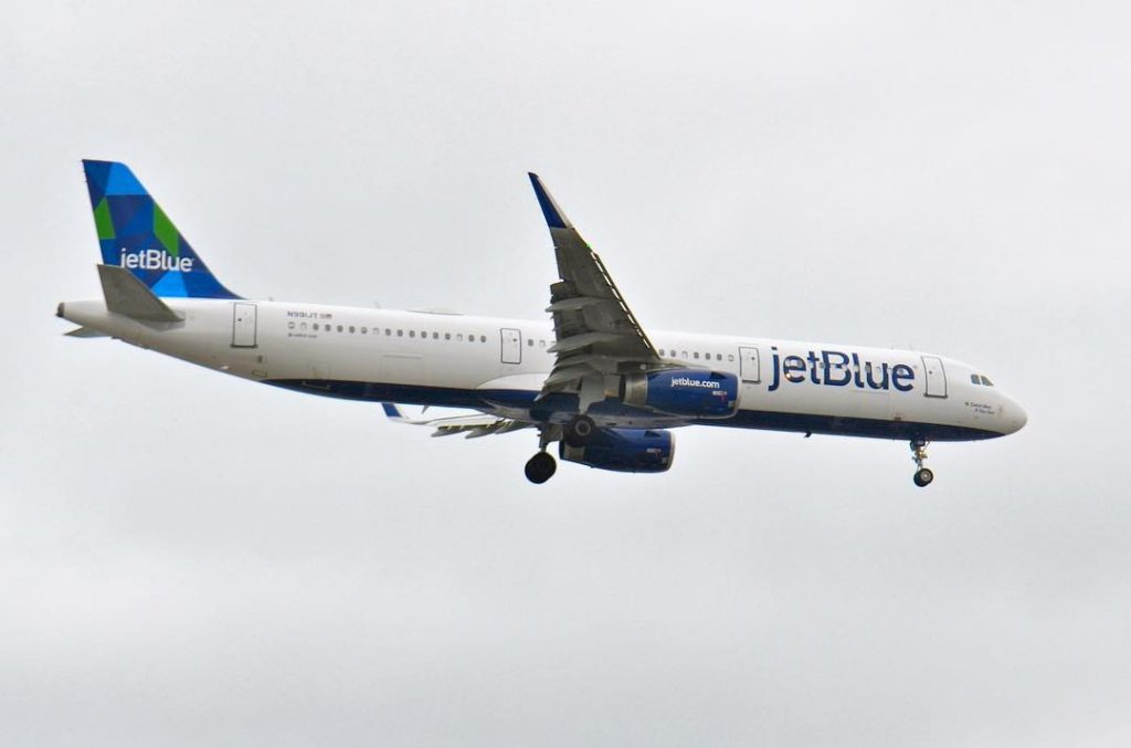 N991JT Catch Mint if You Can JetBlue Airways Airbus A321 200 Aircraft Photos