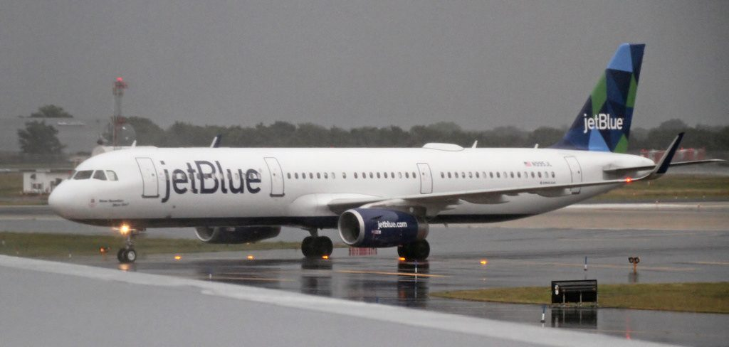 N995JL JetBlue Airways New Number Blue Dis Airbus A321 231WL at JFK Airport