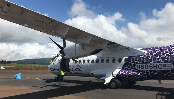 Ohana by Hawaiian turboprop ATR 42 500 operated by Empire Airlines Arrival in Lanai