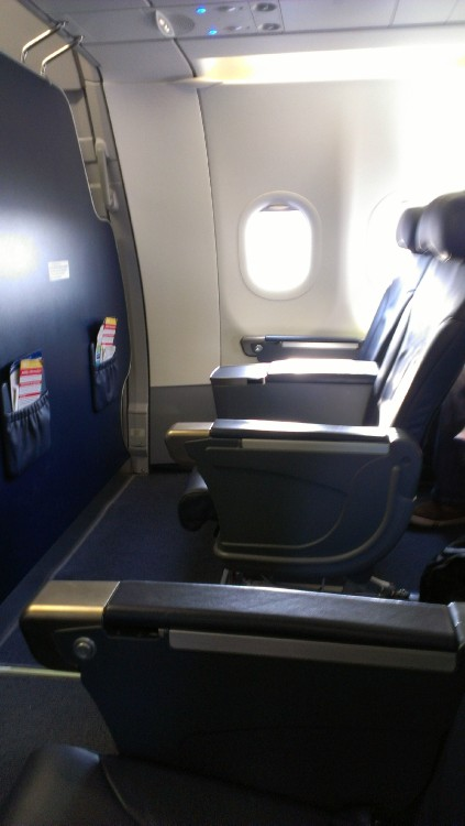 Spirit Airlines Fleet Airbus A320 200 Cabin Bulkhead Big Front Seats Row 2 2 Configuration Photos