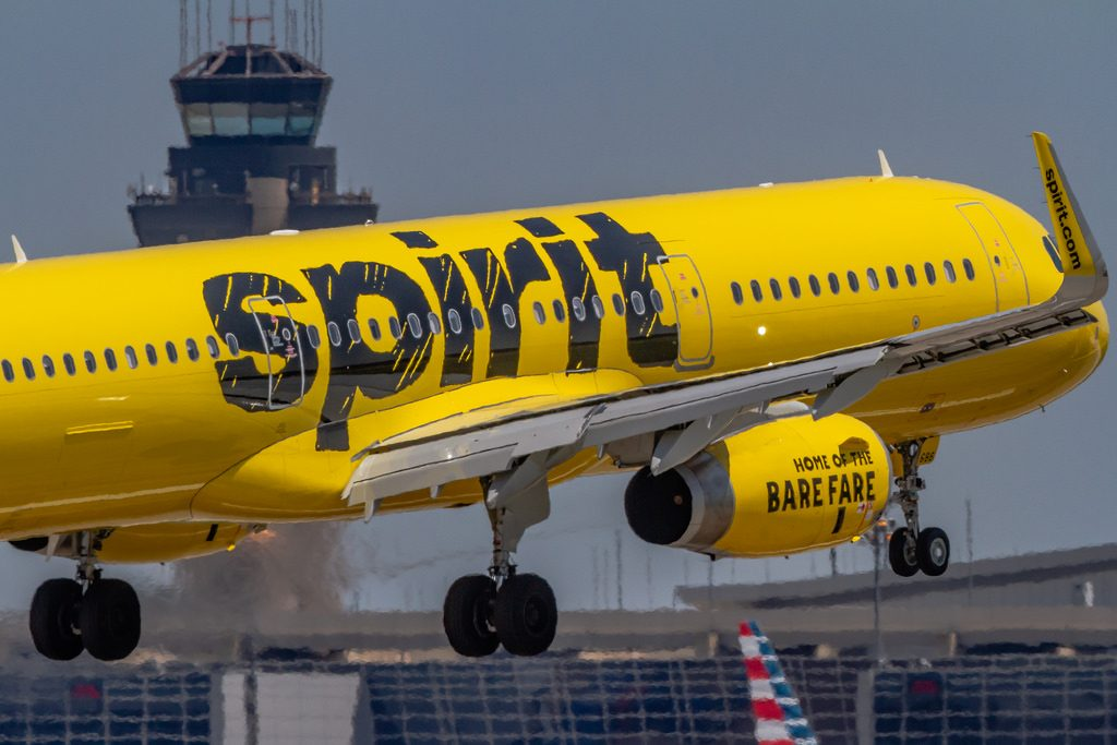 Spirit Airlines N686NK Airbus A321 231WL landing on KDFWDallas Ft. Worth Intl. Airport Runway 18R