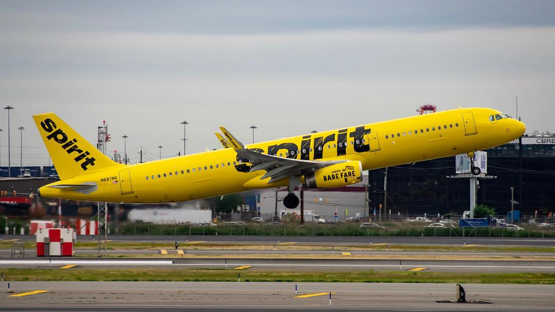Spirit Airlines N687NK Airbus A321 231WL Aircraft Landing and Takeoff Photos