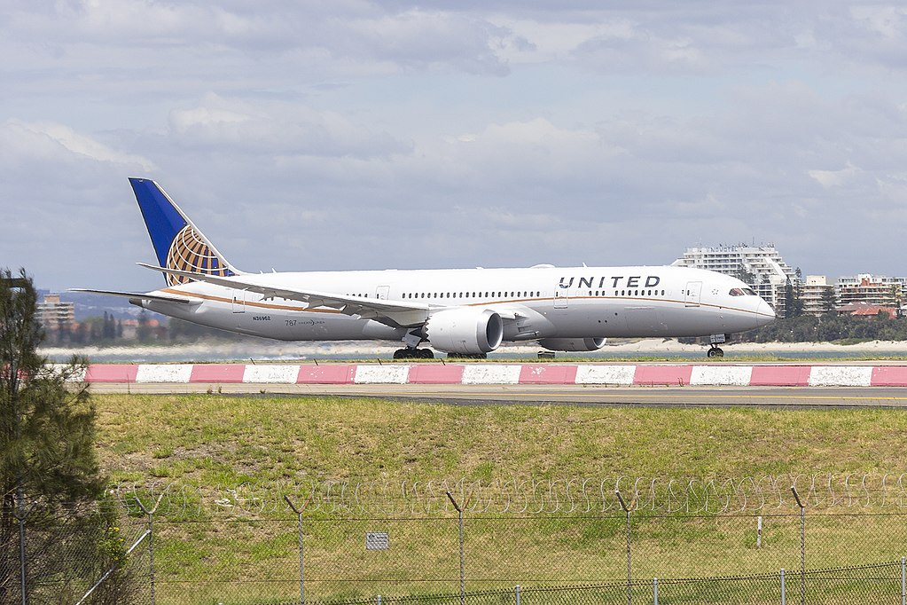 United Airlines Aircraft Fleet 2015 to date as N36962 Boeing 787 9 Dreamliner cnserial number 35880365 departing Sydney Airport