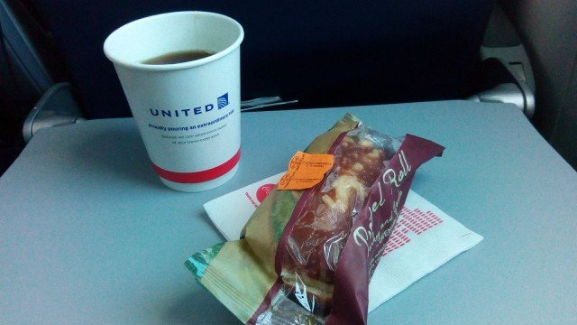 United Airlines Aircraft Fleet Boeing 787 8 Dreamliner Economy Class Cabin Inflight Amenities Pre Arrival snacks urkey and cheese sandwich with coffee