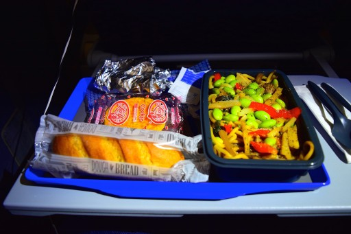 United Airlines Aircraft Fleet Boeing 787 8 Dreamliner Economy Plus Premium Eco Cabin inflight amenities second meal service Asian noodles option