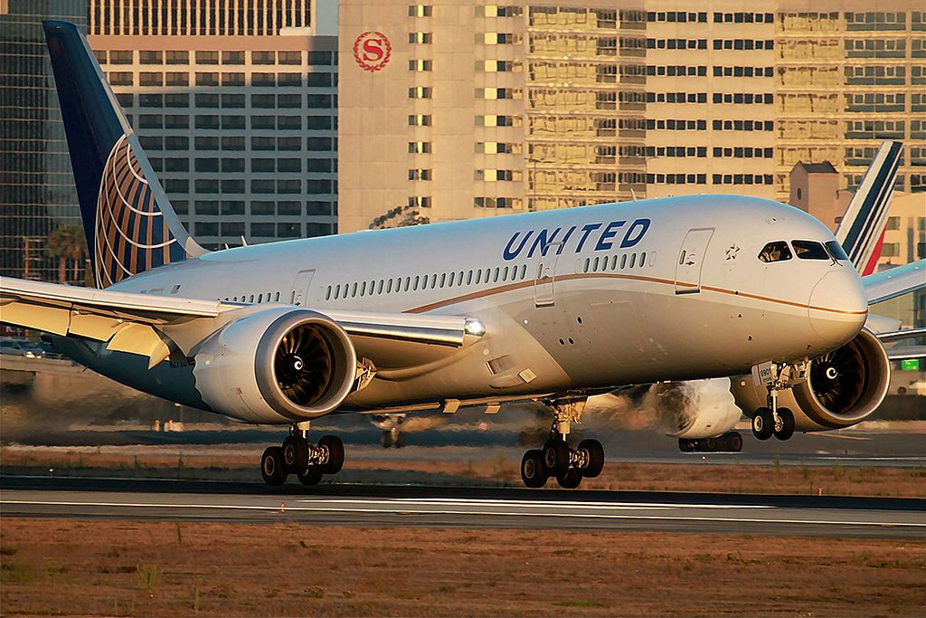 United Airlines Aircraft Fleet Boeing 787 8 Dreamliner N27901 cnserial number 3482145 landing and takeoff at Los Angeles International Airport