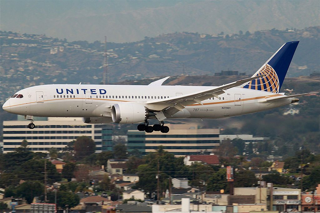 United Airlines Aircraft Fleet Boeing 787 8 Dreamliner N27901 cnserial number 3482145 on final approach at San Francisco International Airport