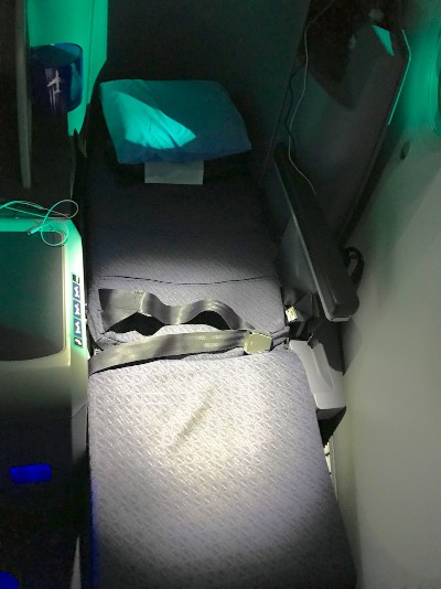 United Airlines Aircraft Fleet Boeing 787 8 Dreamliner Polaris BusinessFirst Class Cabin Fully Flat Bed Photos 2