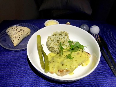 United Airlines Aircraft Fleet Boeing 787 8 Dreamliner Polaris BusinessFirst Class Cabin Lunch Service – Main Course Grilled Chicken Breast With Rice And Asparagus