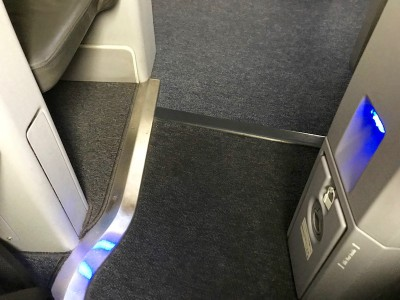 United Airlines Aircraft Fleet Boeing 787 8 Dreamliner Polaris BusinessFirst Class Cabin Space Between Seats For Aisle Access