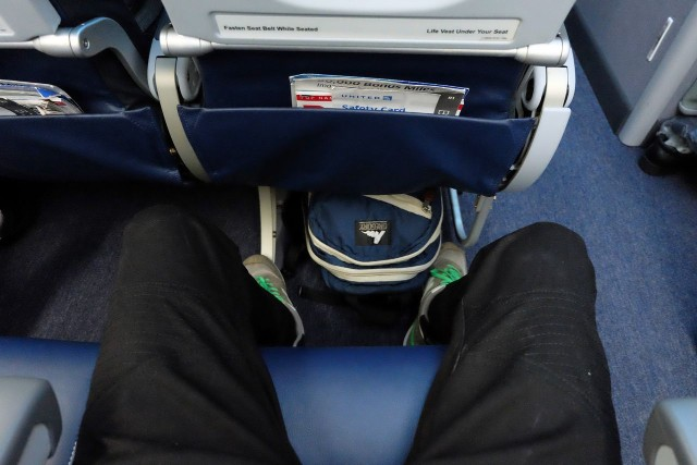 United Airlines Aircraft Fleet Boeing 787 9 Dreamliner Economy Class Cabin Seats Pitch Legroom Photos