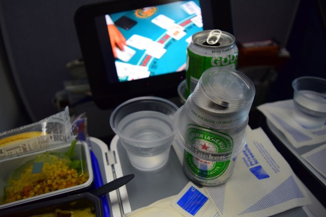 United Airlines Aircraft Fleet Boeing 787 9 Dreamliner Economy Plus Premium Eco Class Cabin drinks services after meal