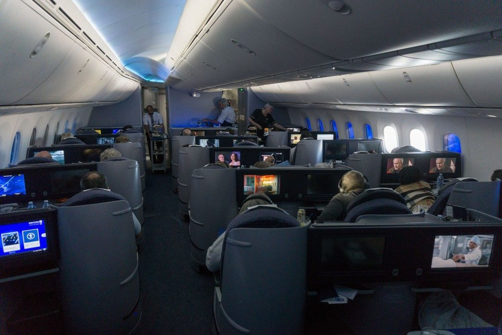 United Airlines Aircraft Fleet Boeing 787 9 Dreamliner Polaris Business Class Cabin Seats arranged in a 2 2 2 configuration