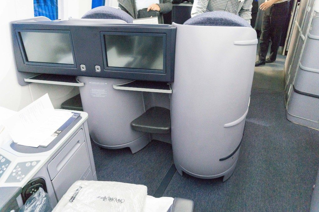 United Airlines Aircraft Fleet Boeing 787 9 Dreamliner Polaris Business Class Cabin aisle seat front end photos