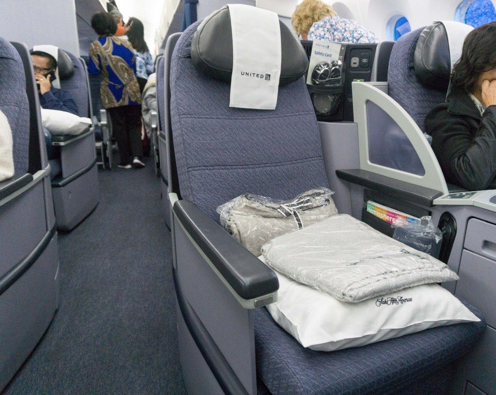 United Airlines Aircraft Fleet Boeing 787 9 Dreamliner Polaris Business Class Cabin aisle seat photos