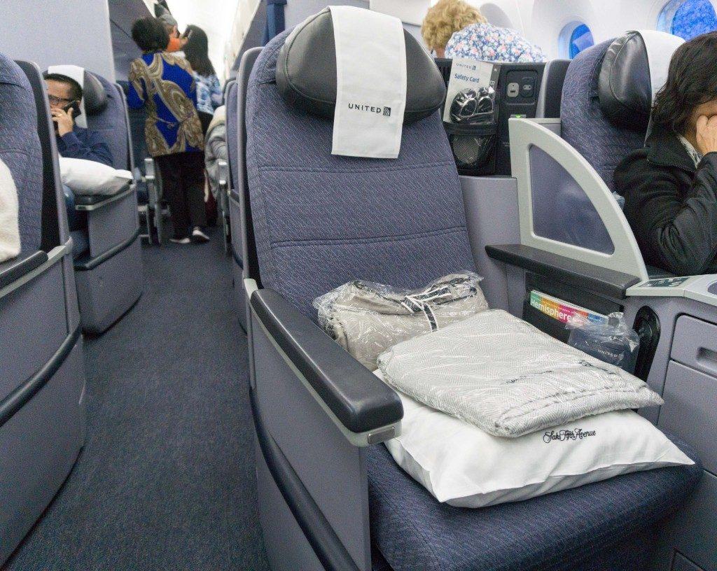 United Airlines Aircraft Fleet Boeing 787 9 Dreamliner Polaris Business Class Cabin aisle seat photos