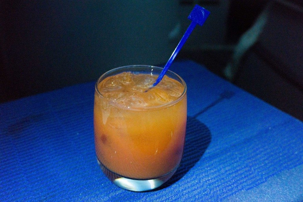 United Airlines Aircraft Fleet Boeing 787 9 Dreamliner Polaris Business Class Cabin food and beverages Bloody Mary served with a mix of warmed salty cashews and almonds