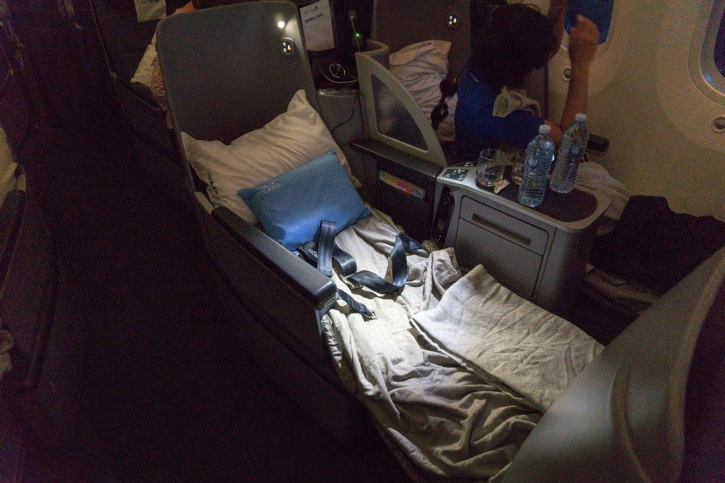 United Airlines Aircraft Fleet Boeing 787 9 Dreamliner Polaris Business Class Cabin seats pretty comfortable in lie flat position