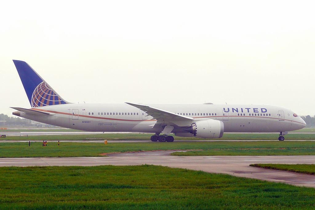 United Airlines Aircraft Fleet N19951 Boeing 787 9 Dreamliner cnserial number 36402223 departing LHR Airport