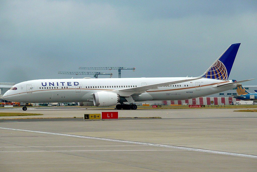 United Airlines Aircraft Fleet N27959 Boeing 787 9 Dreamliner cnserial number 36407348 lining up on runway at London Heathrow Airport