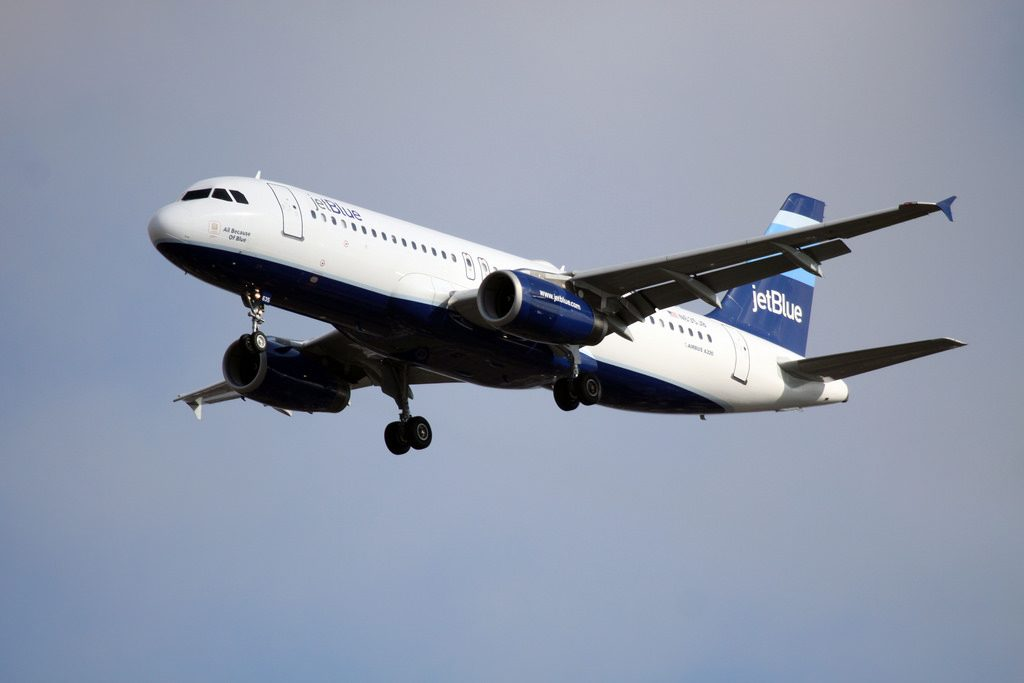 jetBlue Airbus A320 232 N635JB All Because of Blue at JFK