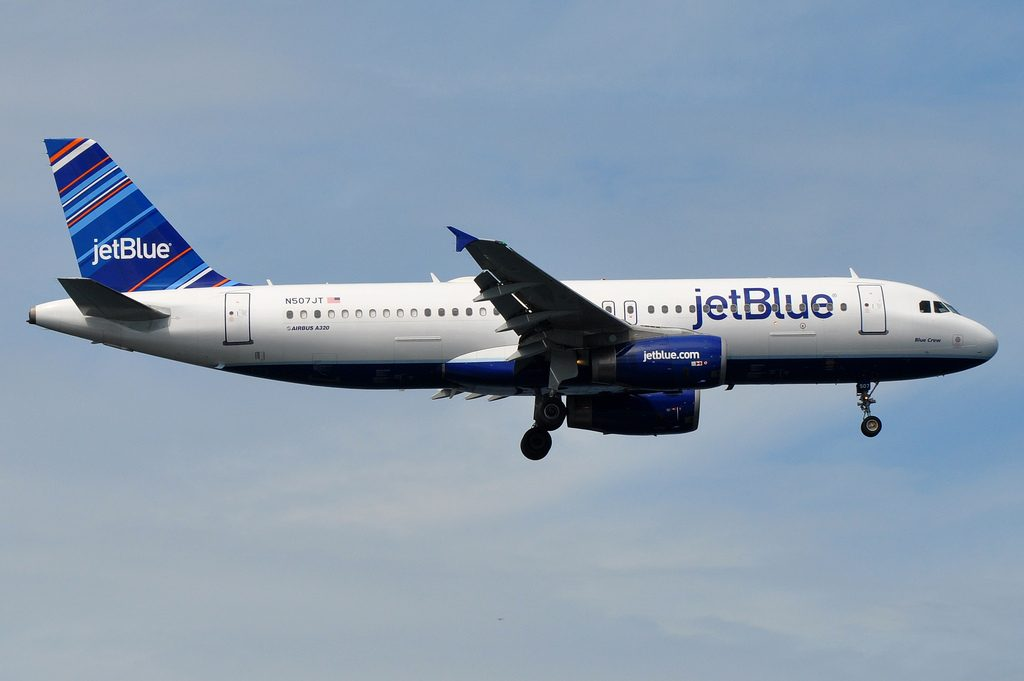 jetBlue Airways Airbus A320 232 N507JT Blue Crew on final approach at JFK Airport