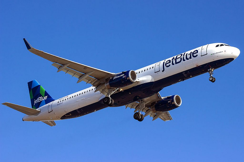 jetBlue Airways Fleet Airbus A321 200 N987JT Skys the LiMint at Logan International Airport