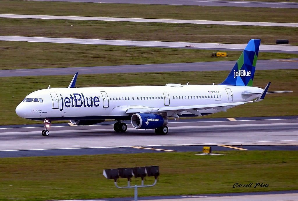 jetBlue Airways N990JL Seize The Mo Mint Airbus A321 231 aircraft photos by Charlie Carroll
