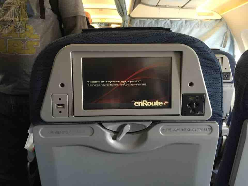 Air Canada Airbus A319 100 Cabin Preferred Seats IFE System USB and AC Power Port