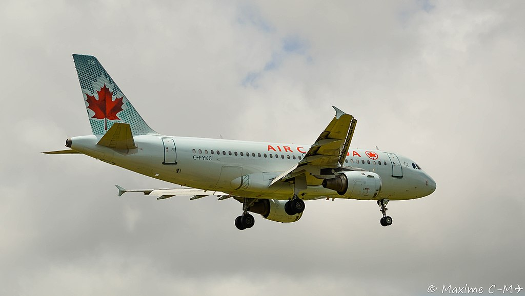 Air Canada Airbus A319 114 C FYKC on short final at Martinique Aimé Césaire International Airport IATA FDF ICAO TFFF @Maxime