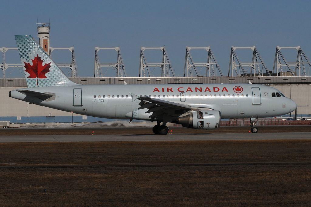 Air Canada Airbus A319 114 C FZUJ at Montréal–Pierre Elliott Trudeau International Airport