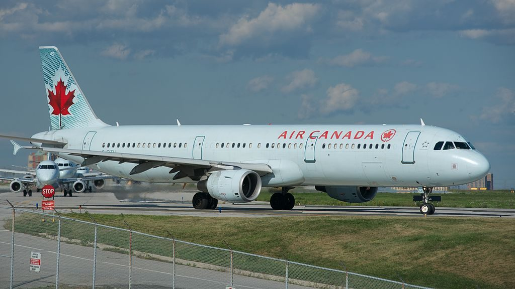 Air Canada Airbus A321 200 C GITU at Toronto Pearson International Airport