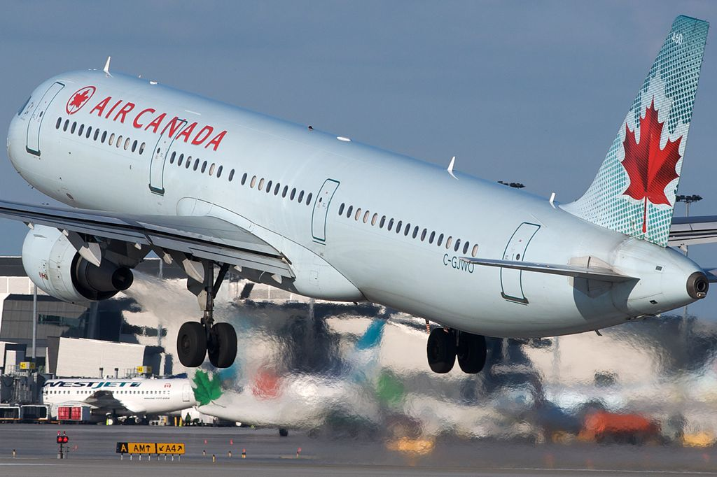 Air Canada Airbus A321 200 C GJWO departing Montréal Pierre Elliott Trudeau International Airport