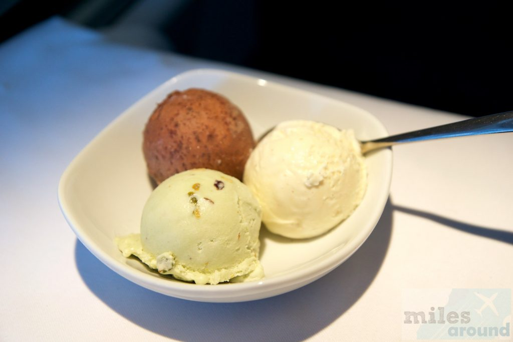 Air Canada Airbus A330 300 Business class inflight meal food Dessert Creamy vanilla ice cream with Belgian chocolate crisps and pistachios