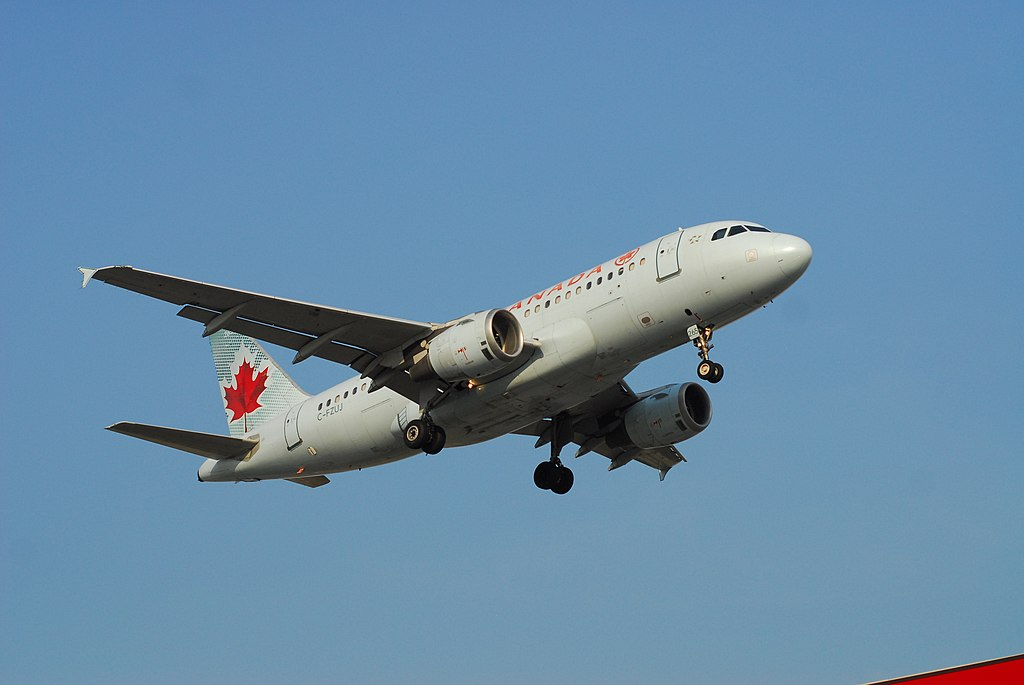 Air Canada Aircraft Airbus A319 114 C FZUJ Flight ACA1196 from YMM to YYZ
