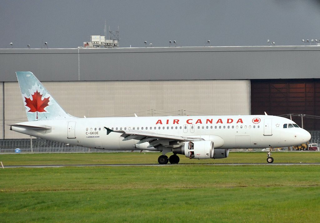 Air Canada Aircraft Fleet Airbus A320 200 C GKOE at Montréal Pierre Elliott Trudeau International Airport