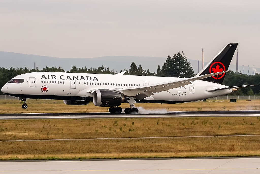 Air Canada Boeing 787 8 Dreamliner C GHPQ arrival from Montreal at Frankfurt Airport