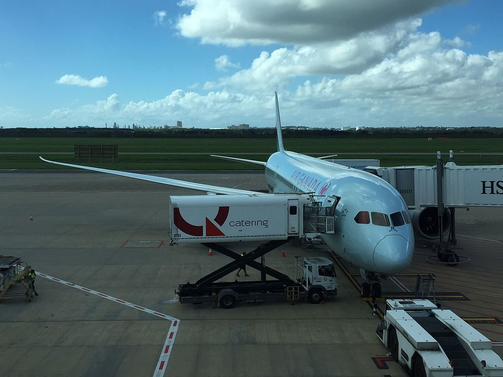 Air Canada Boeing 787 9 Dreamliner C FGDX Waiting to load its Vancouver passengers at BNE Brisbane Airport