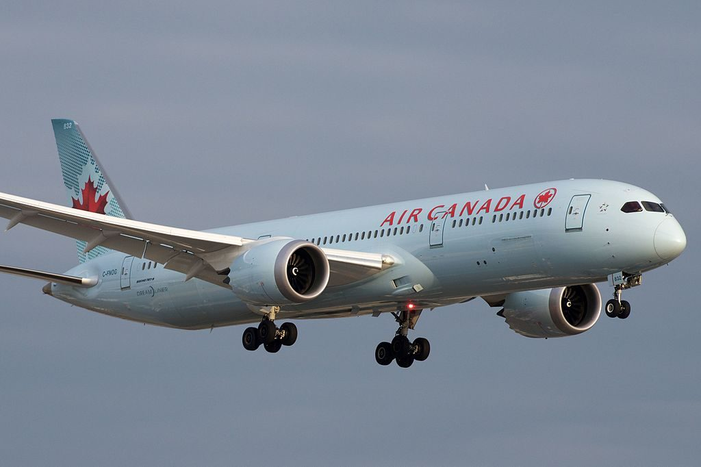 Air Canada Boeing 787 9 Dreamliner C FNOG Approaching YYZ Toronto Pearson International Airport