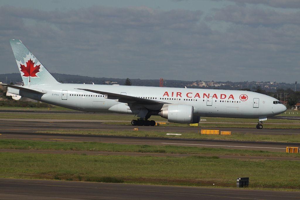 Air Canada C FIUJ Boeing 777 200LR at Sydney Kingsford Smith