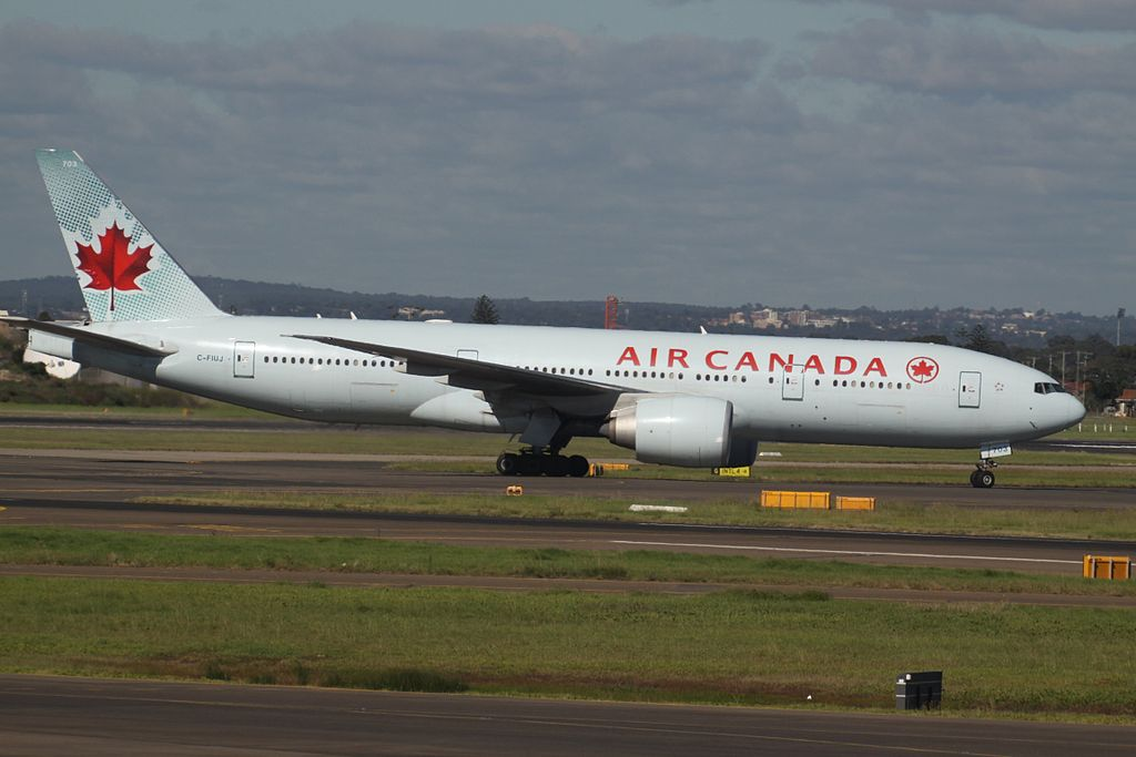 Air Canada C FIUJ Boeing 777 200LR at Sydney Kingsford Smith